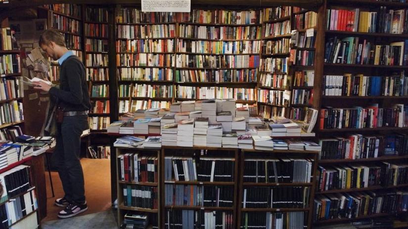 Il dolce piacere della scelta di un libro daleggere