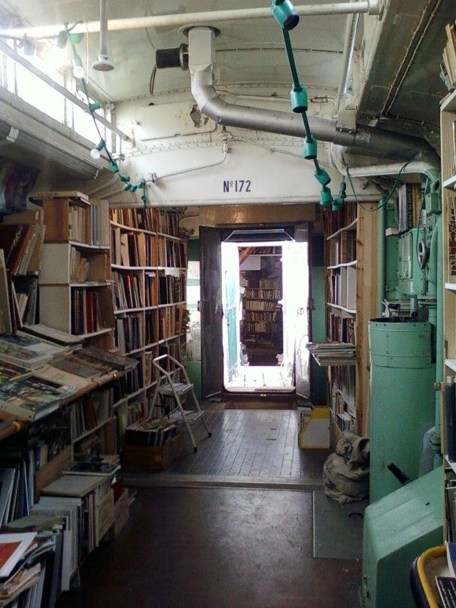 train_bookstore2