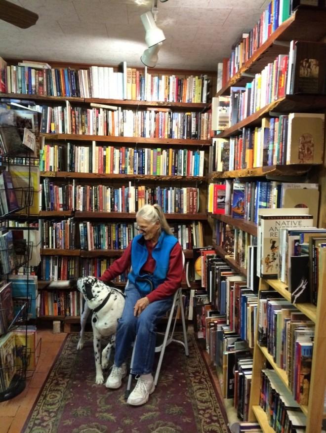 singing-wind-bookstore2