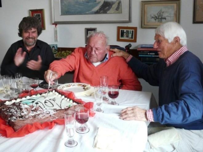 Riccardo Cassin con Reinhold Messner e Walter Bonatti, durante i festeggiamenti per i 100 anni.