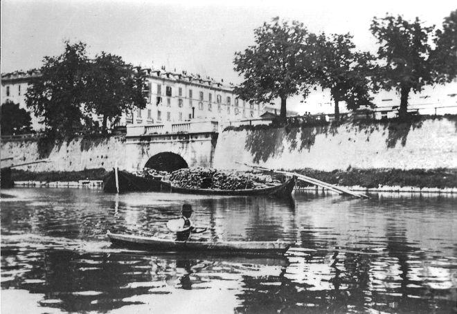 La Darsena nell'800, con l'imbocco verso la conca di Viarenna.