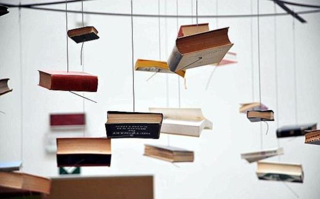 "(Richard Wentworth, ""False Ceiling"", Biennale d'Arte di Venezia 2009. Image credit: Andrea Pattaro/Vision.)"