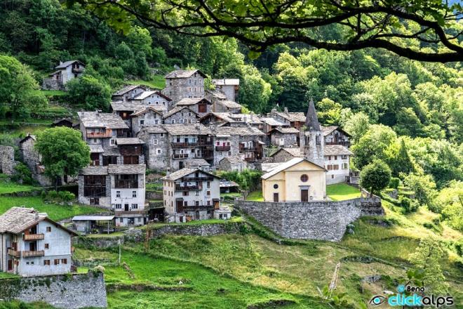 Savogno, Alpi Retiche, 1 abitante.