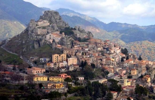 Bova, Aspromonte, 442 abitanti.
