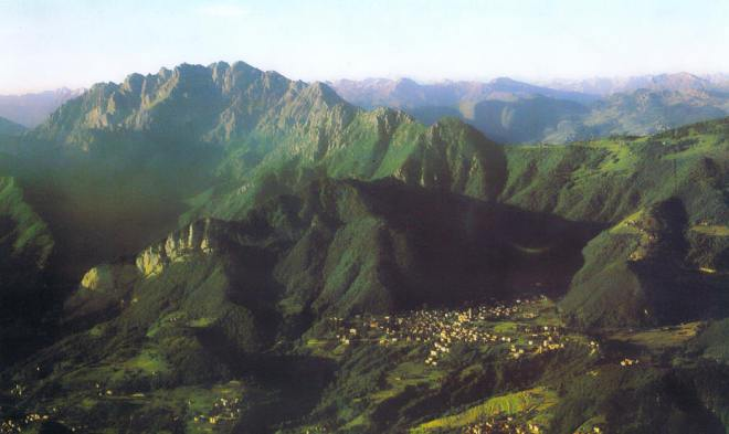 Carenno, Gruppo del Resegone, 1.470 abitanti.
