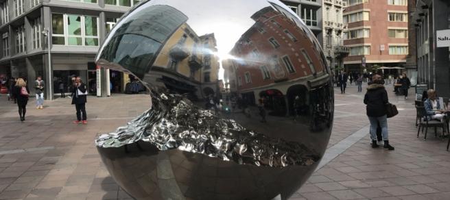 l_-toh-in-citta-sono-spuntate-delle-sculture-gctp